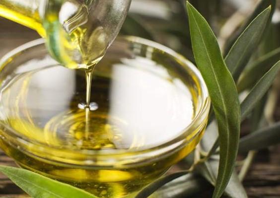 Olio Extravergine Doliva Proprietà E Antichi Usi Nel