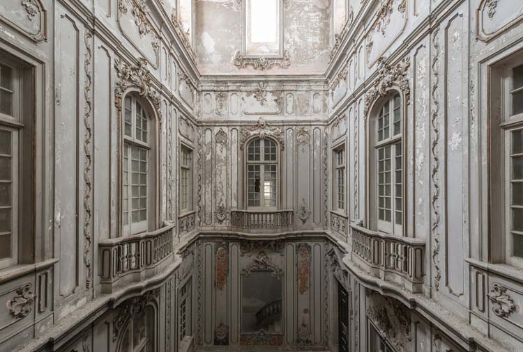 Photographs-of-Abandoned-Buildings