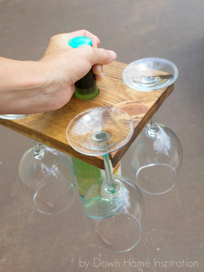 how to make a diy holder for a wine bottle and glasses