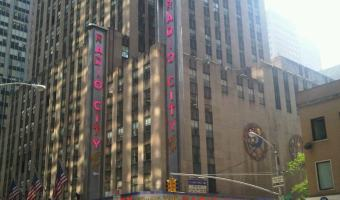 Radio City Music Hall & the World Famous Rockettes – #GMfamilyfun @ Blogher12