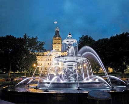 The Tourny Fountain. Photo Credit: Office du tourisme de Québec (La Maison Simon)