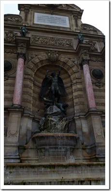 10 Fun Things to do in Paris St. Michel Fountain @DownshfitngPROtravel