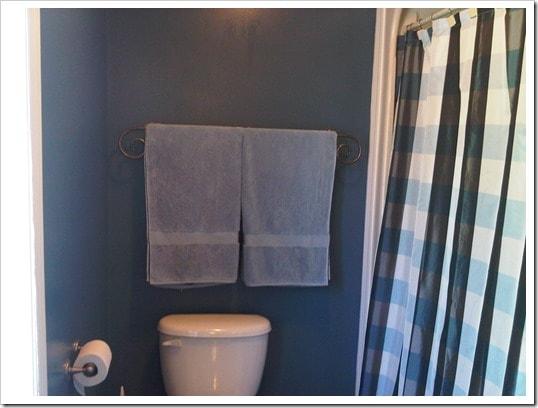 Bathroom Makeover - DownshiftingPRO - Benjamin Moore