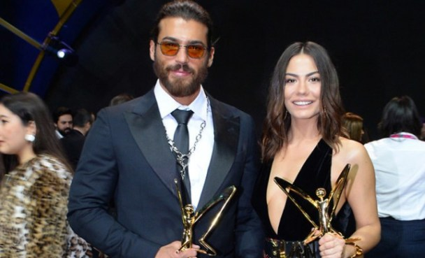 Can Yaman and Demet Ozdemir attend Turkish television series award ceremony.