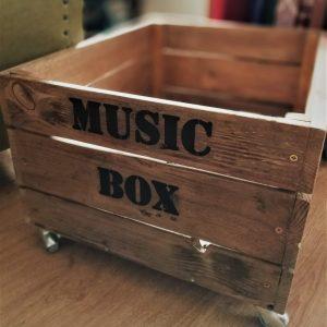 dpales. caja madera
