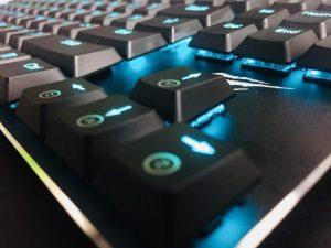 薄型軽量ゲーミングキーボード「Havit HV-KB390L-JP」レビュー。Kailh製の低背キースイッチによる、通常の青軸と少し異なった打鍵感が癖になる