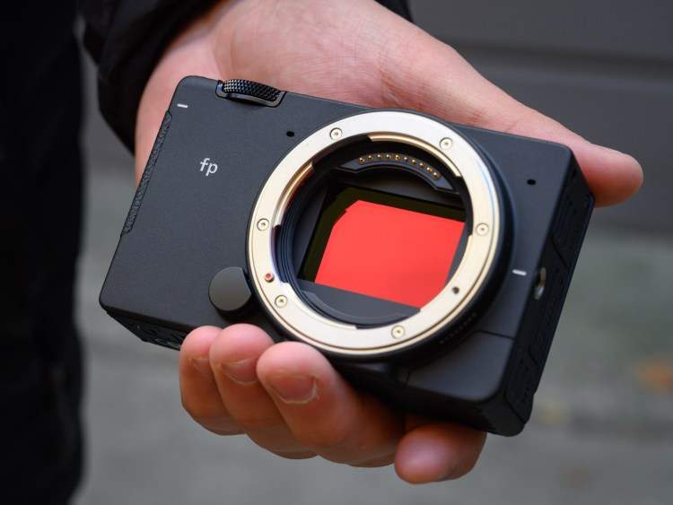 Sigma confirms Log picture profile, Raw over HDMI coming to its fp ...