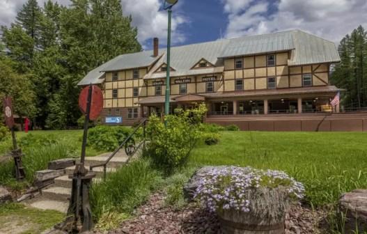 Isaak Walton Inn