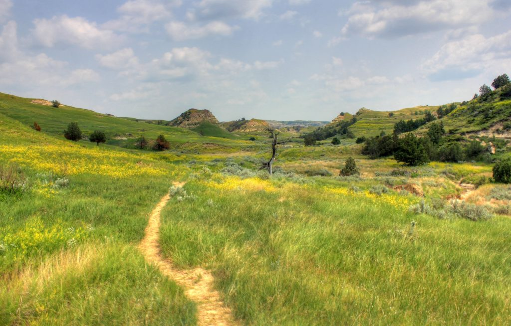 north dakota national parks hike