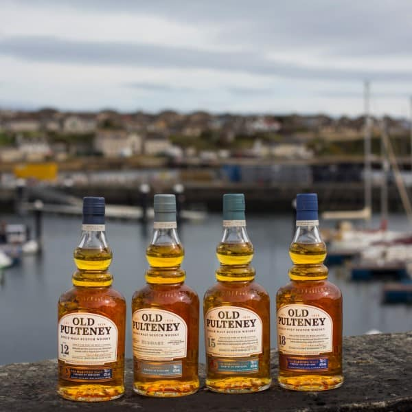 Old Pulteney single malt Scotch whisky – New Fleet – The Maritime Malt (32) (Custom)