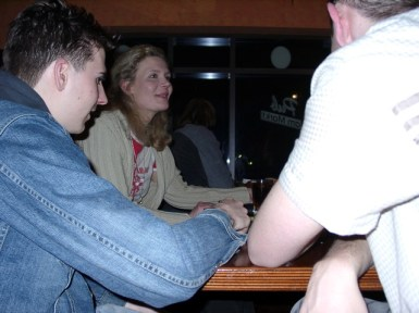 Cassa und Iwan bei Schleicher im Pub
