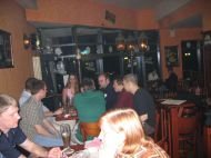 An den Tischen bei Schleicher im Pub