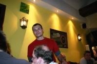 Azze und die Glatze - err Mitra