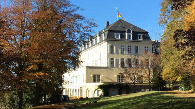 678px_petersberg_siebengebirge_hotel
