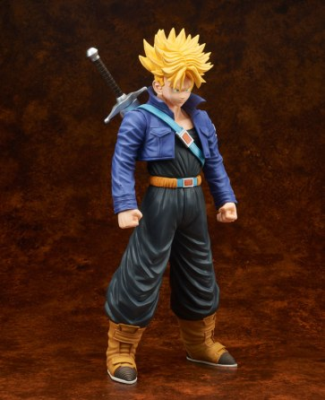 gigantic-series-trunks-super-saiyan-02
