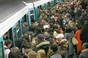 metro-paris-bondé-draguer