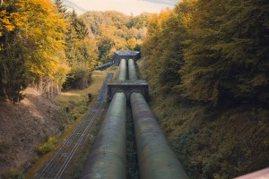 According to Natural Resources Canada, there are 840,000 km of pipelines across Canada. Photo by Quinten de Graaf on Unsplash
