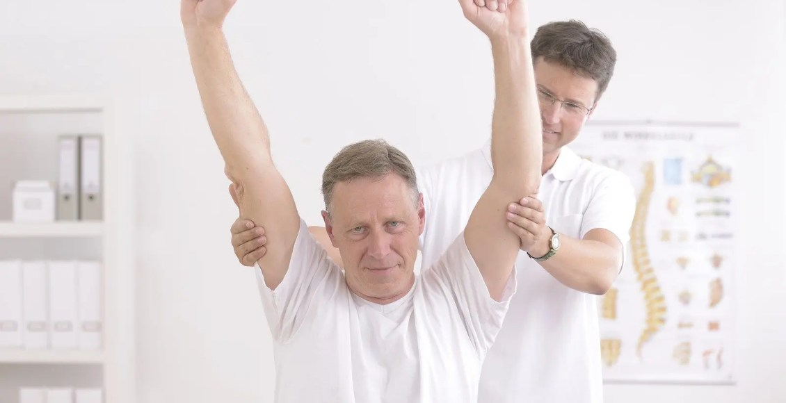 rotatorcuffel paso chiropractor rehabilitasi pasien pasca cedera