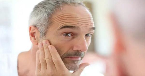 blog de imágenes de hombre mayor mirando a uno mismo en el espejo