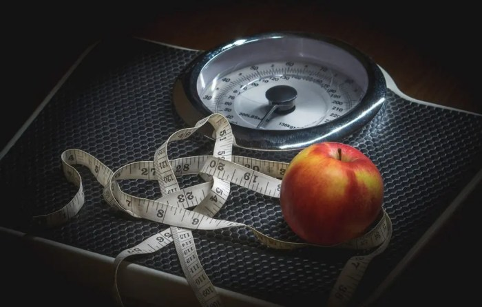 blog picture of weight scale and a nectarine