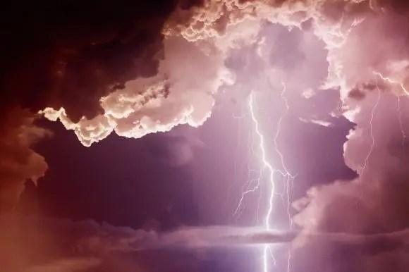 perno de ligadura de nubes oscuras