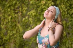 donna di whiplash dopo trattamento chiropratico