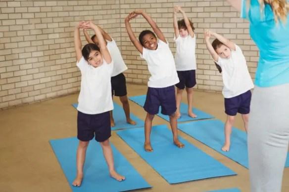 11860 Vista del Sol, Ste. Niños y entrenamiento de fuerza