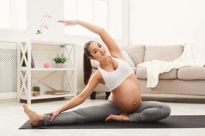 11860 Vista Del Sol, Ste. 128 Tips For Reducing Back Pain During Pregnancy El Paso, TX.