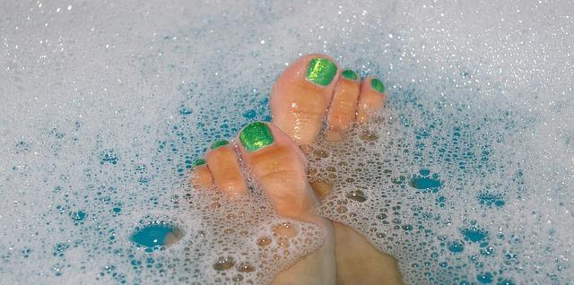 bath-water-915589_640