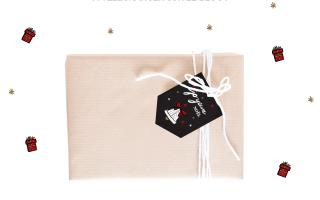 Des étiquettes cadeau à télécharger pour Noël sur Drawings and things