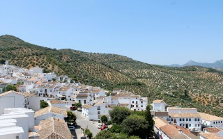 Zahara de la sierra - Andalousie by Drawingsandthings