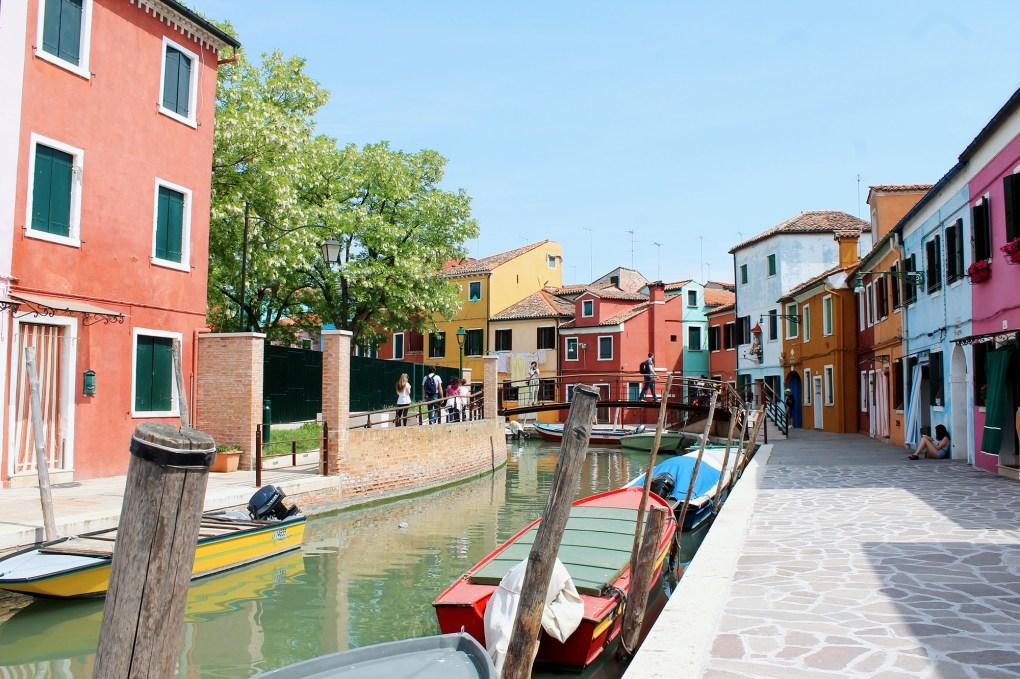 Burano-Voyager-en-Italie_by-Drawingsandthings