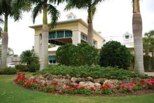 Wedding Venue in Desoto: Kingsway Country Club, Southwest Kingsway Circle, Lake Suzy, FL
