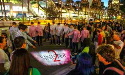 sn2 - #SDCC15: Creepy Sinister 2 Twins Terrorize Attendees