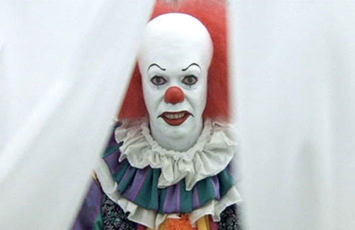 featuredimage pennywise - Tim Curry Describes Finding the Right Look for Pennywise