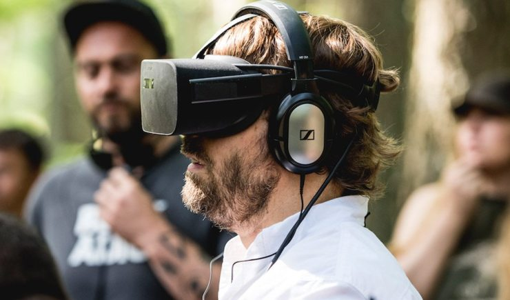 Campfire Creepers 404 - Alex Aja and Robert Englund Go VR for Campfire Creepers