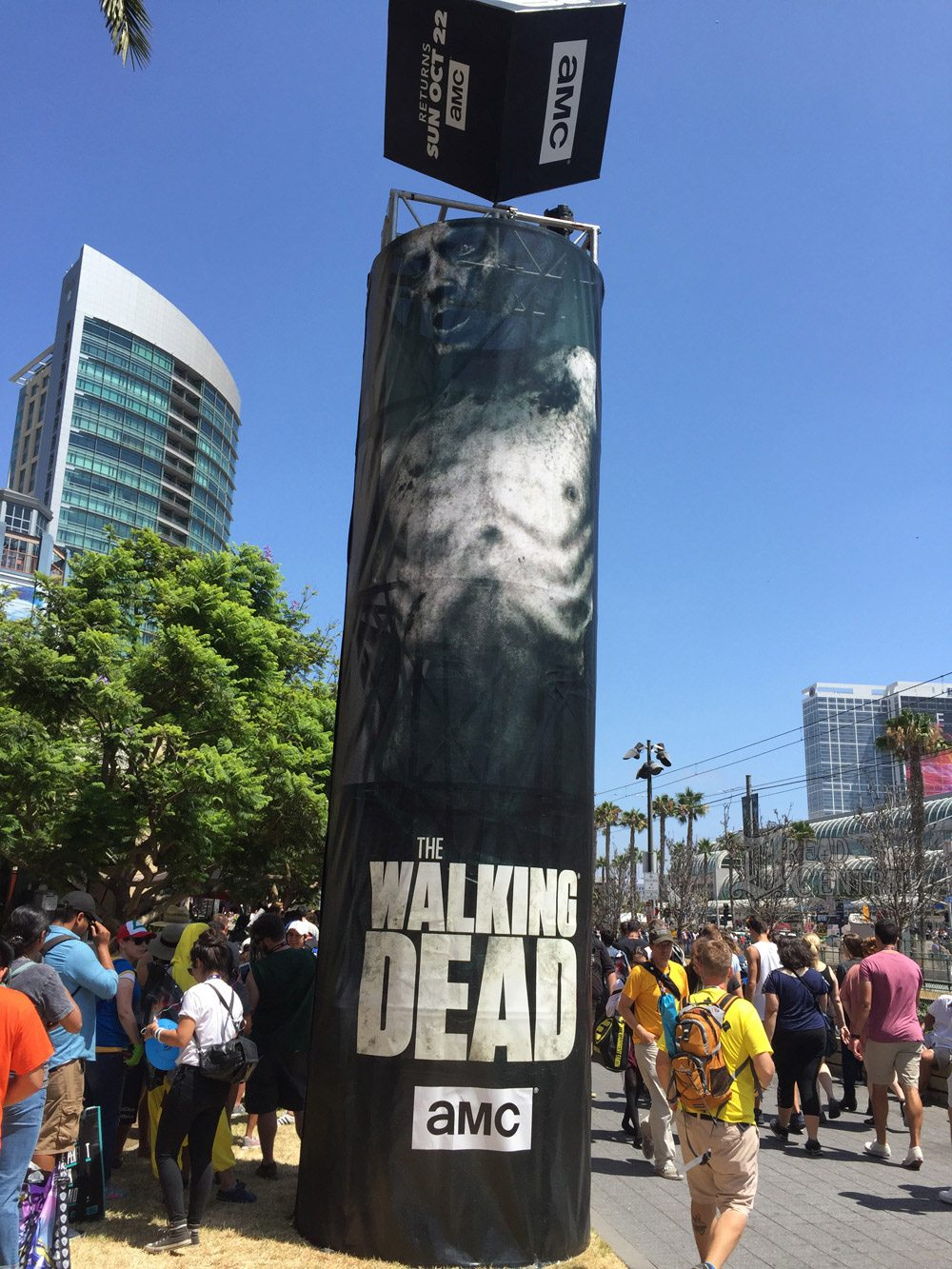 twd dq 14 - #SDCC17: We Took on The Walking Dead Encounter and Lived to Tell About It!