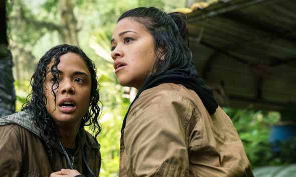 Tess Thompson and Gina Rodriguez in Annihilation - Gender Bashing: ANNIHILATION and The Higher Bar of Representation