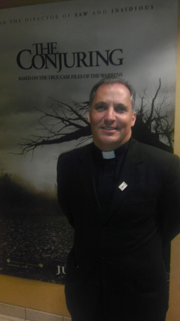 conjuring chicago 1 - Chicago Screening of The Conjuring Comes Complete with a Priest and a Warning!