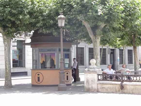 Plaza de Cervantes - Punto de información turística