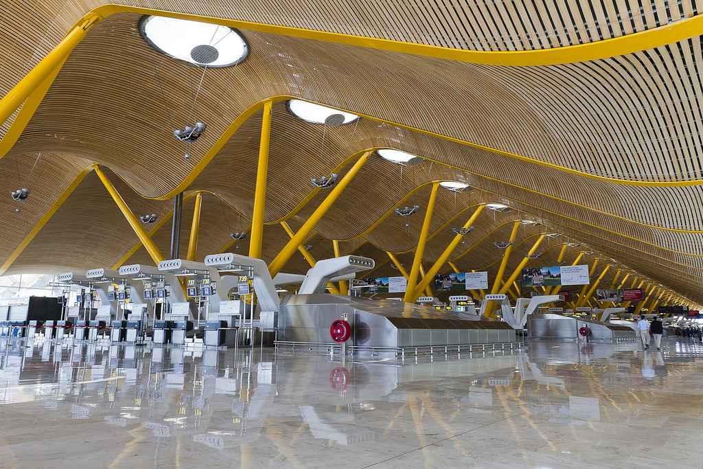 Resultado de imagen de aeropuerto madrid barajas