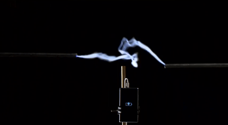 Nokia_Lumia_-_Harnessing_the_power_of_lightning_-_YouTube