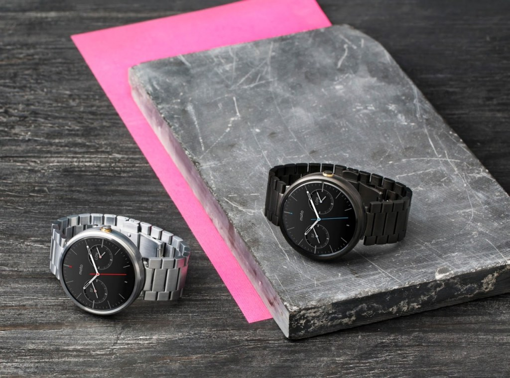 1_Moto_360_Two_MetalWatches_6712_1