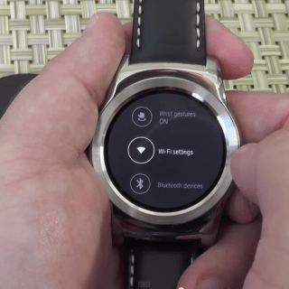 LG_Watch_Urbane_and_Android_5_1_1_setup_-_YouTube 3