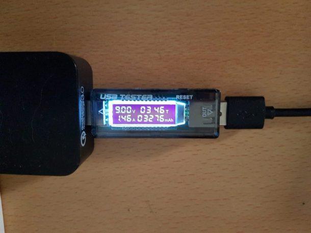 急速ワイヤレス充電中は9V、1.46Aでした。