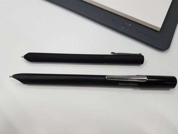 ペンはBambooスマートパッドのものが圧倒的にコンパクト。