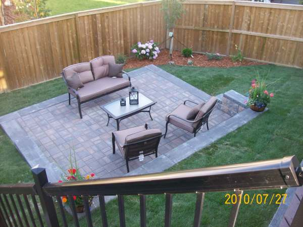 Patio Landscaping Ideas on Small Backyard Brick Patio Ideas  id=53928