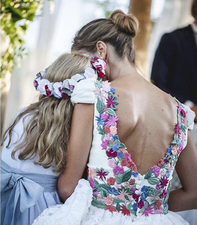 flores-bordadas-novia-navascues