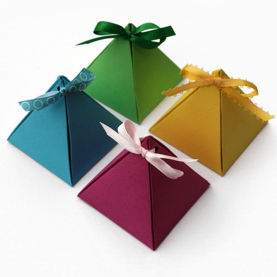 paper-pyramid-gift-box-square-final-white