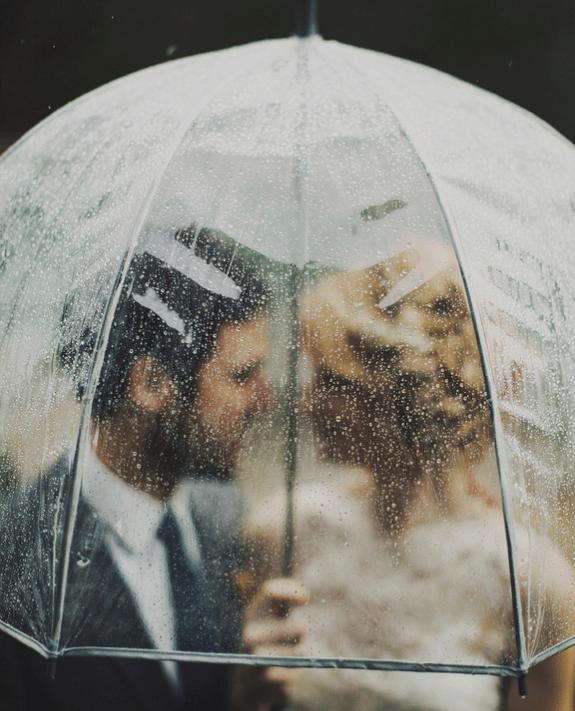7 consejos para disfrutar de una boda un día de lluvia